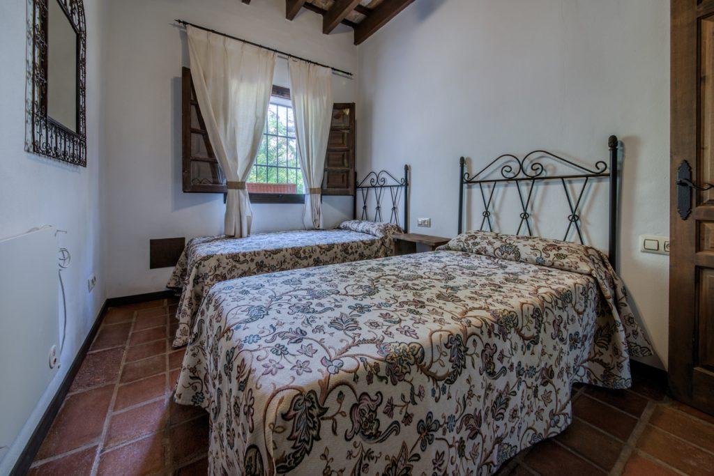 Dormitorio camas dobles. Casas Rurales en Cádiz. Arcos de la Frontera